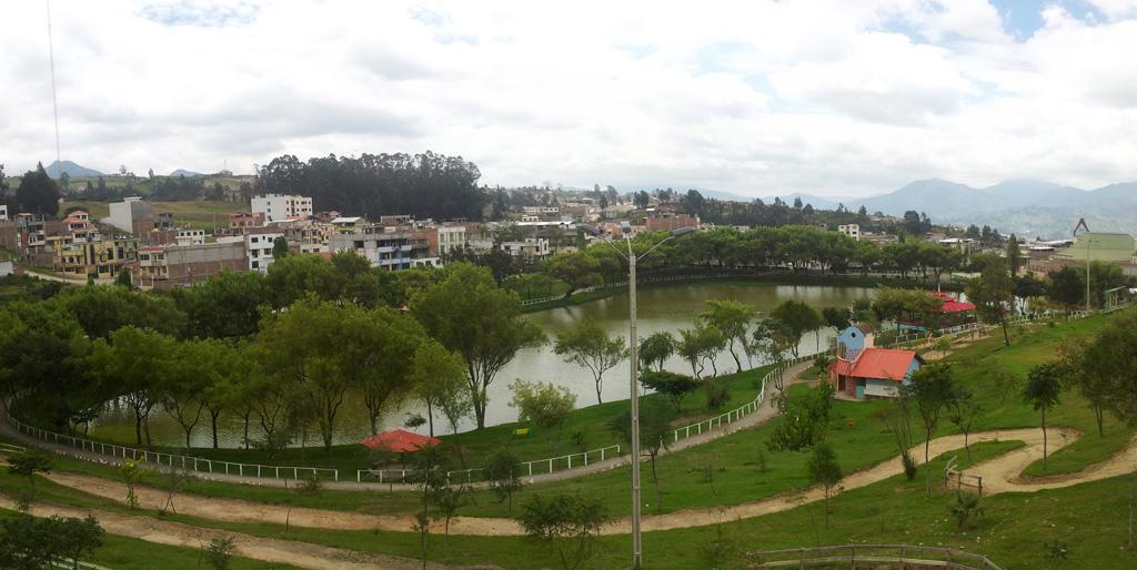 Parque Daniel Álvarez Burneo